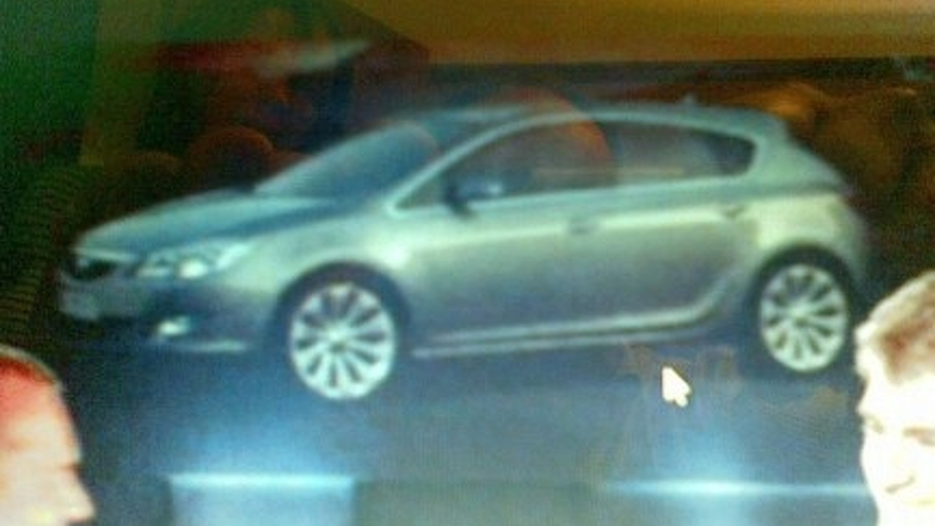 New Opel Astra image leaked from dealer presentation
