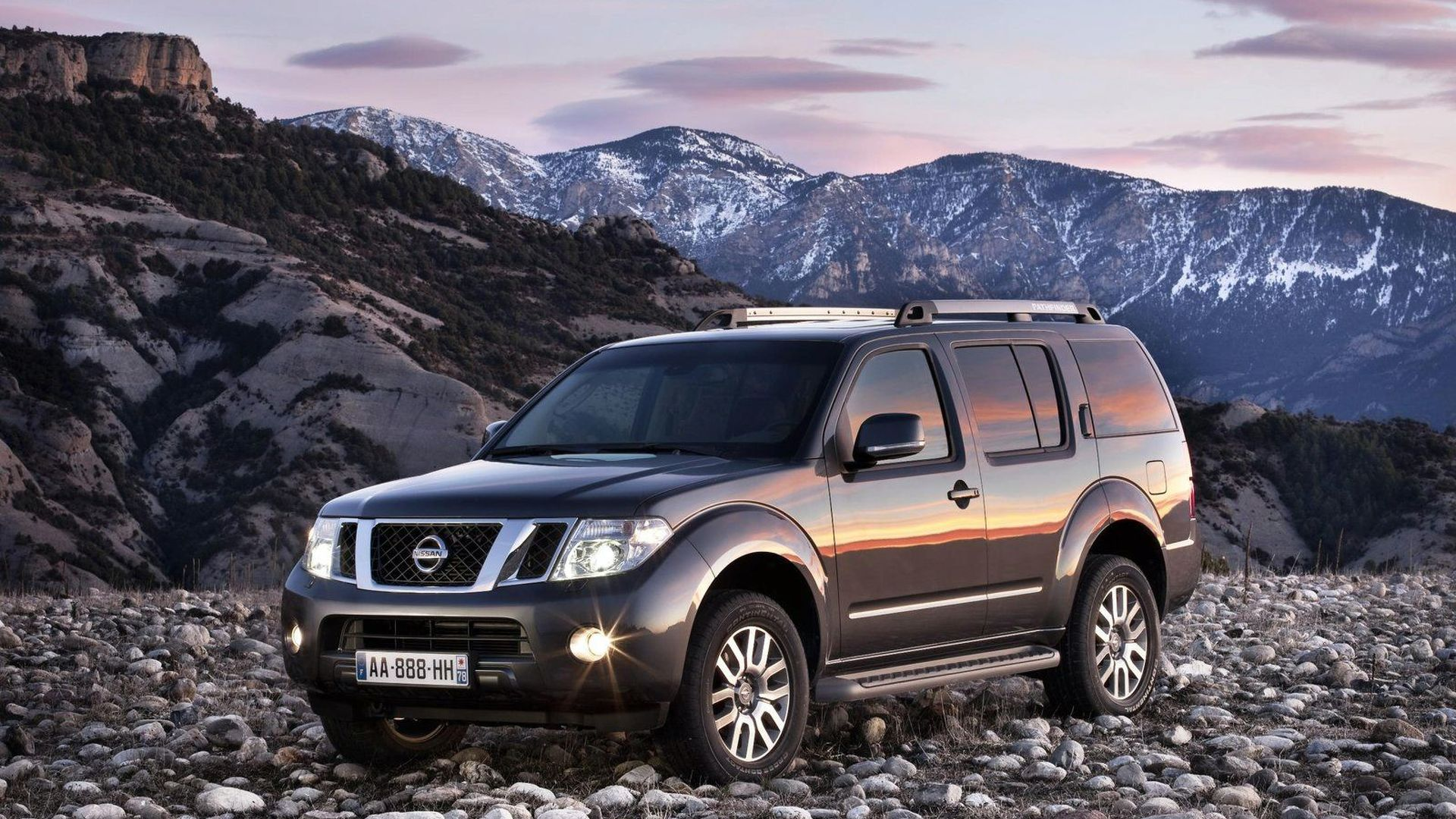 2011 Nissan Navara and Pathfinder Facelifts Announced - Launch in Geneva