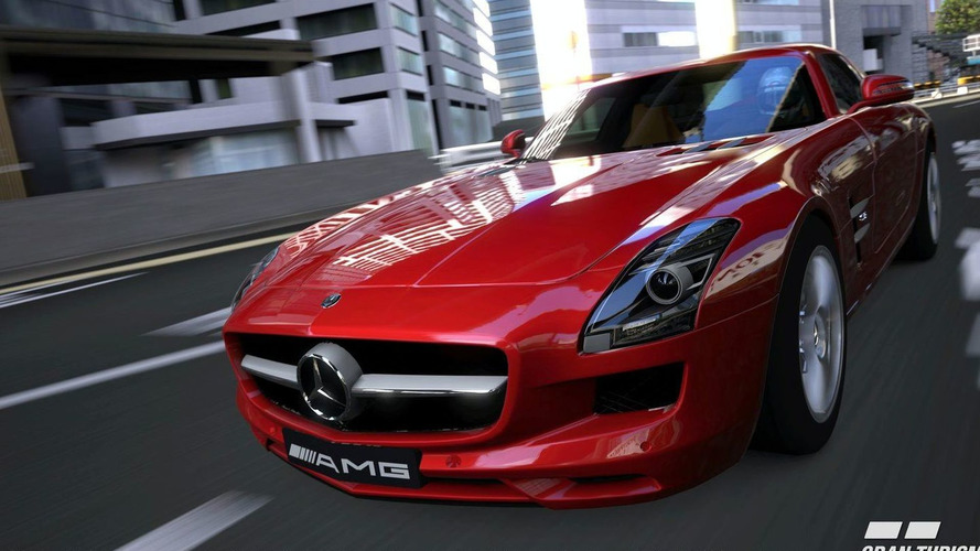 Mercedes SLS AMG in Visual Campaign for Mercedes-Benz Fashion Week Berlin 2010 [Video]