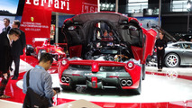 Kids and show girls banned from Auto Shanghai 2015