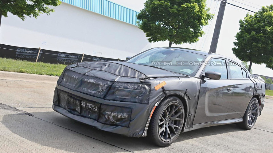 2015 Dodge Charger SRT Hellcat spied for the first time