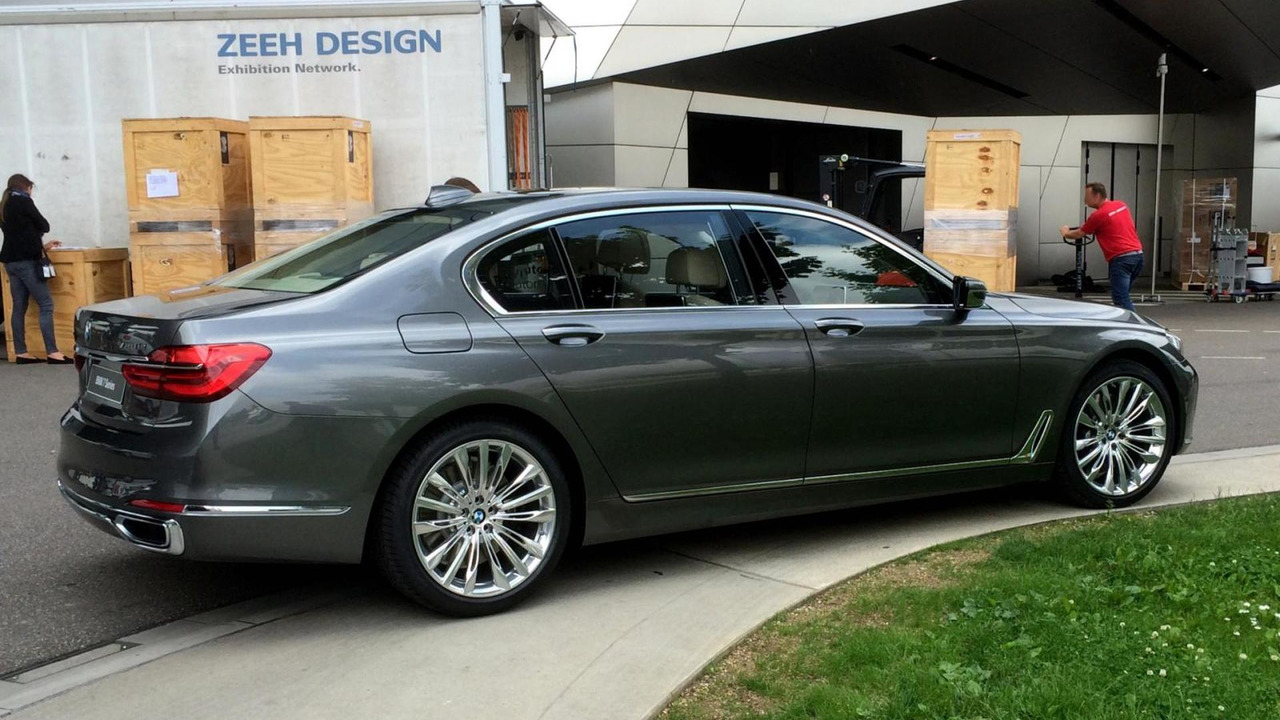 2016 BMW 7-Series live photo / Bimmertoday