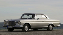 1961: Mercedes-Benz 220 SEb Coupe