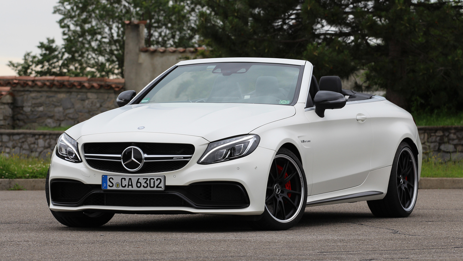 review 2017 mercedes amg c63 s cabriolet. Black Bedroom Furniture Sets. Home Design Ideas