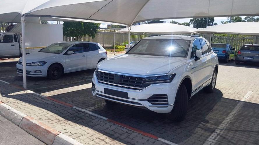 Flagra - Novo VW Touareg é desvendado ao lado do Polo 2018