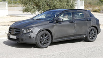 2014 Mercedes GLA spied up close