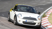2012 Mini Coupe spied on the ring 19.05.2011