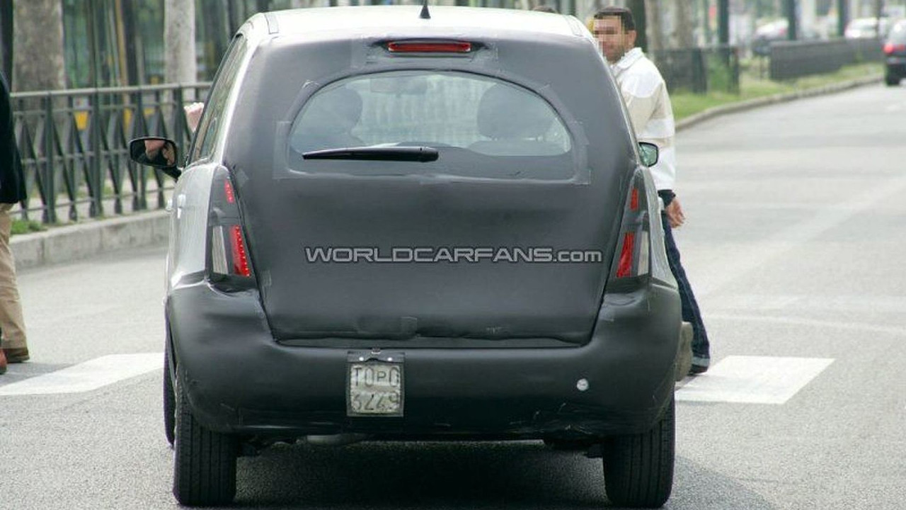 SPY PHOTOS: Lancia Musa Facelift