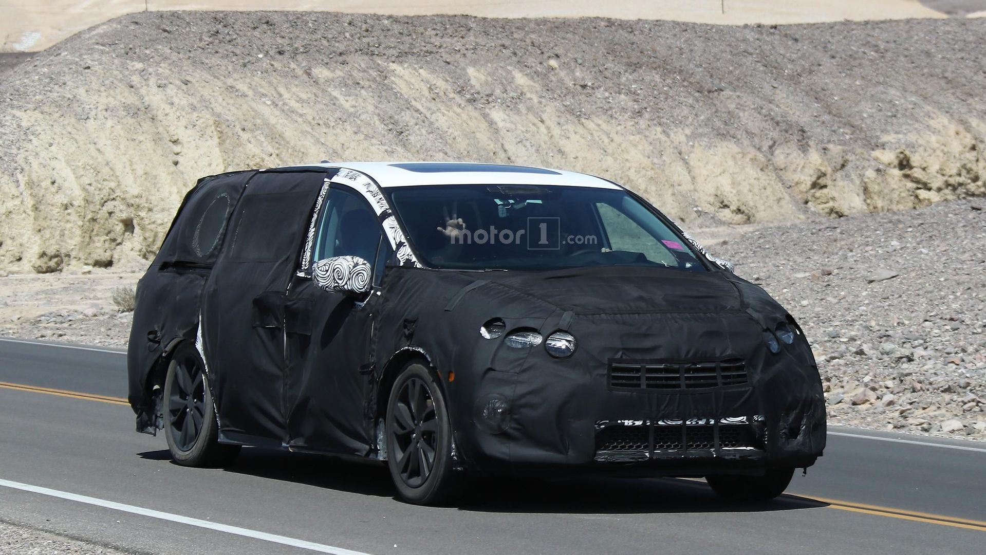 heavily masked 2017 honda odyssey spied inside and out. Black Bedroom Furniture Sets. Home Design Ideas