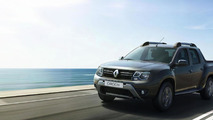 Renault Duster Oroch & Sandero R.S. 2.0 unveiled