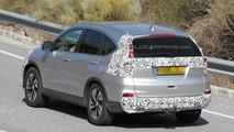 Honda CR-V facelift spied testing in Europe