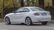2018 BMW 2 Series Coupe facelift spy photo