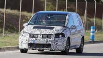 2016 Volkswagen Touran spy photo
