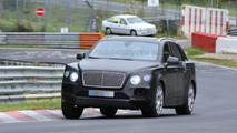 2016 Bentley Crossover spy photo