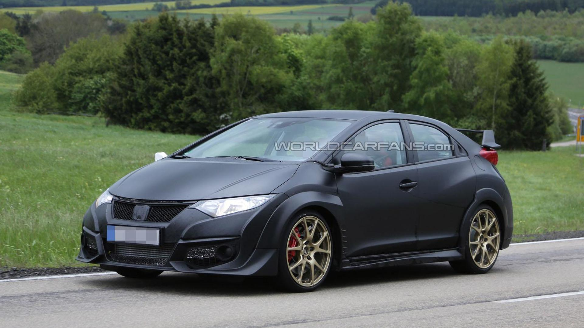 2015 Honda Civic Type-R spied completely undisguised