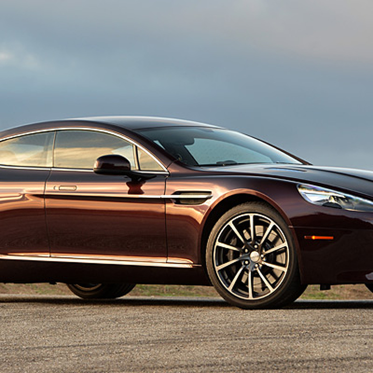 1,000-HP Electric Aston Martin Rapide Will Arrive in 2017