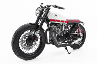 This Beautiful Custom Yamaha XS 400 Has our Hearts Aflutter