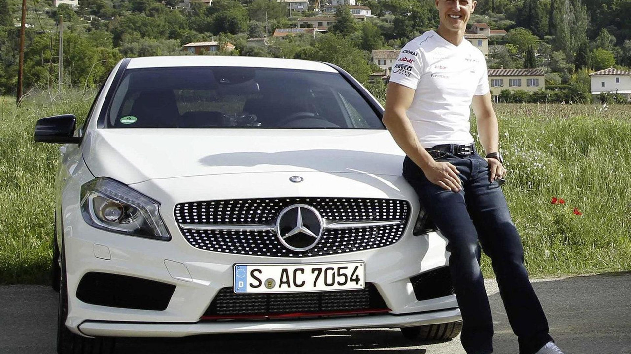 Schumacher signs long term Mercedes deal 11.04.2013