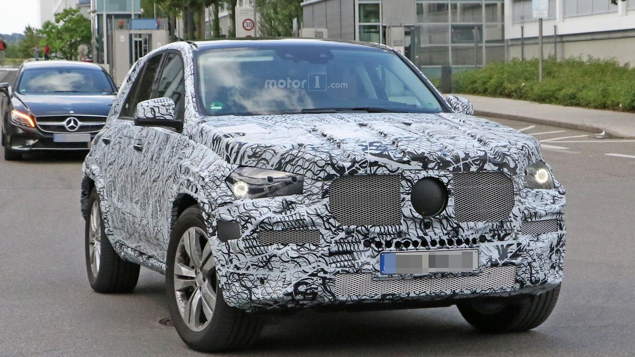 2019 Mercedes GLE spy photo