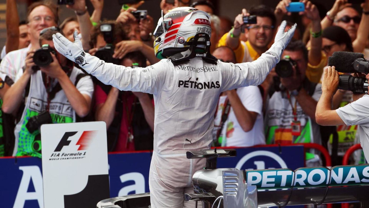 Race winner Lewis Hamilton (GBR) celebrates in parc ferme, 11.05.2014, Spanish Grand Prix, Barcelona / XPB