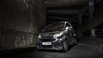 Smart fortwo electric drive does disco ball impression