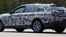 2010 BMW 5-Series Touring Spy Photos With New Psychedelic Camo