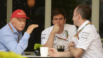 Hamilton's engineer breaks ribs in cycling crash
