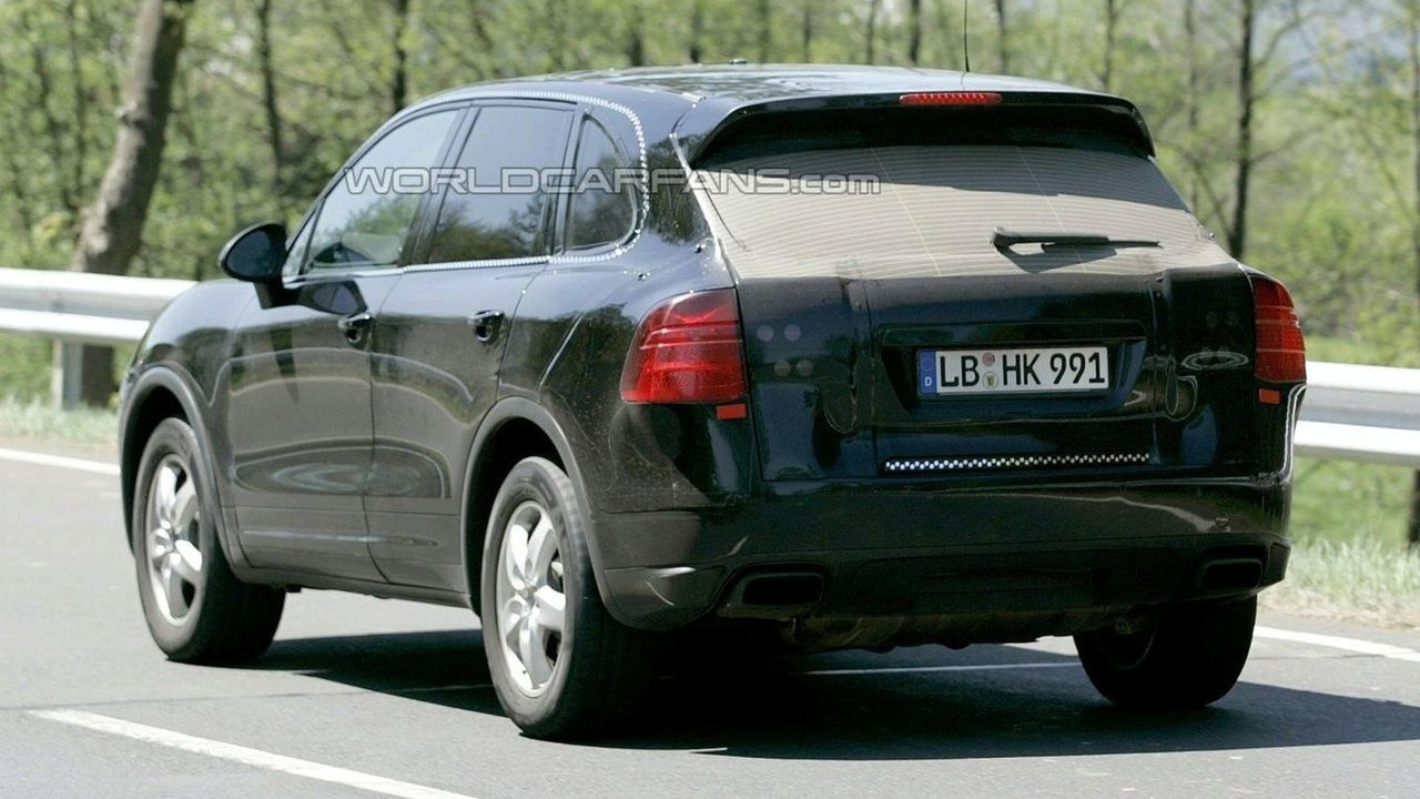 Porsche baby Cayenne spy photo