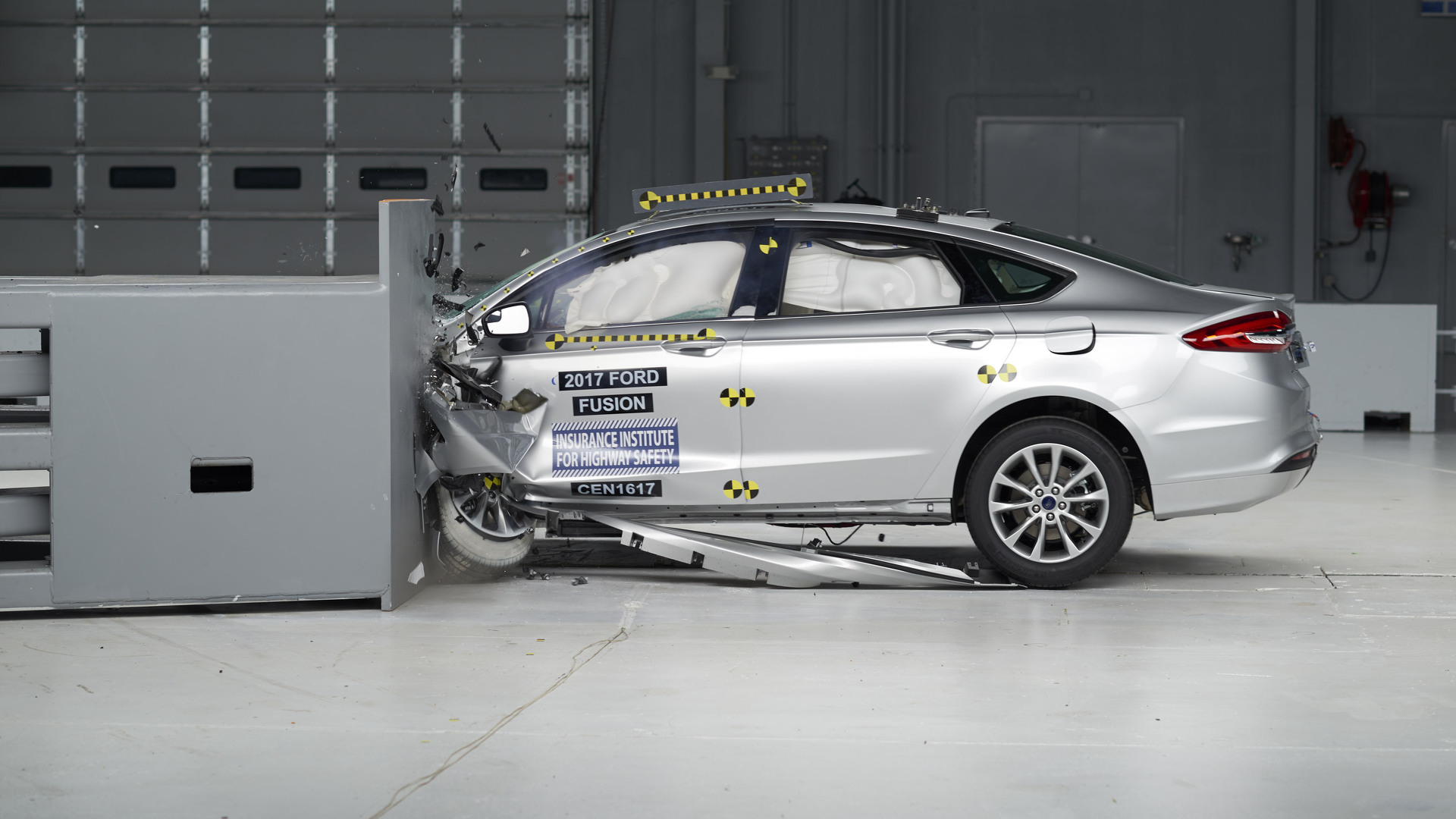 Crash ford fusion result test