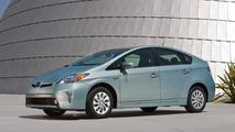 2014 Toyota Prius dips below 30,000 USD