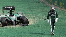 amui Kobayashi (JPN) Caterham CT05 crashed out at the start of the race, 2014 Australian Grand Prix