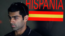 Ecclestone, Hamilton, urge 'better car' for Chandhok