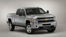 2011 Chevrolet Silverado Heavy-Duty Facelift Debuts in Chicago