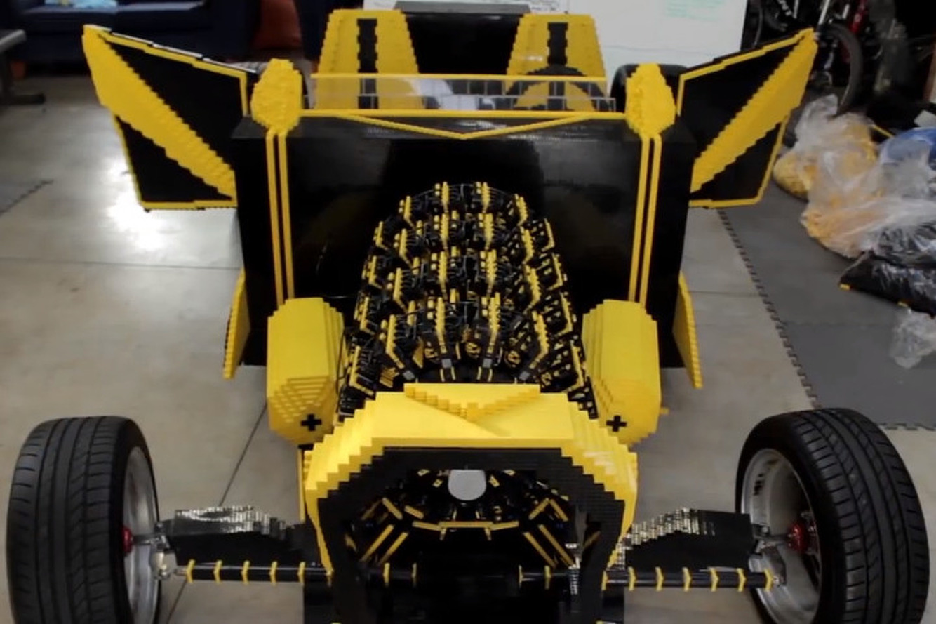 Car Made From 500,000 Legos Runs on Compressed Air [video]