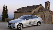 Mercedes-Benz E 300 BlueTEC Hybrid pricing & specs announced