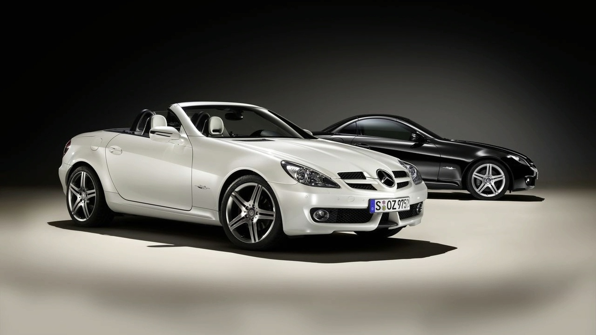 Mercedes-Benz SLK 2LOOK Edition Released in Geneva