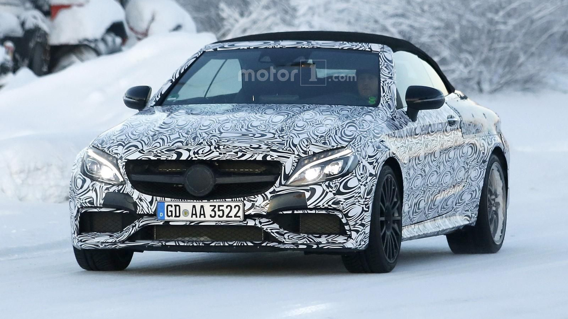 Mercedes-AMG C63 Convertible spied, will have up to 503 hp