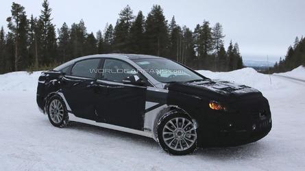 2015 Hyundai Sonata Hybrid spied inside & out