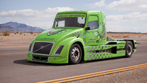 Volvo Hybrid Truck sets new world speed record [video]