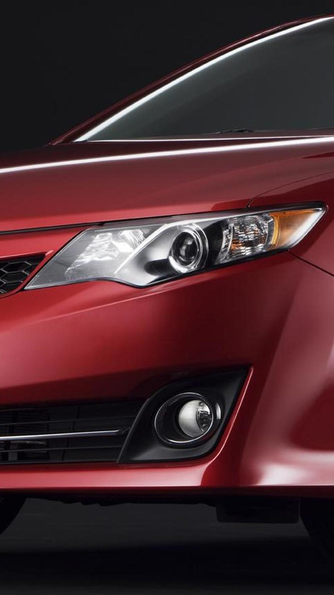 Toyota Camry gets a second teaser image