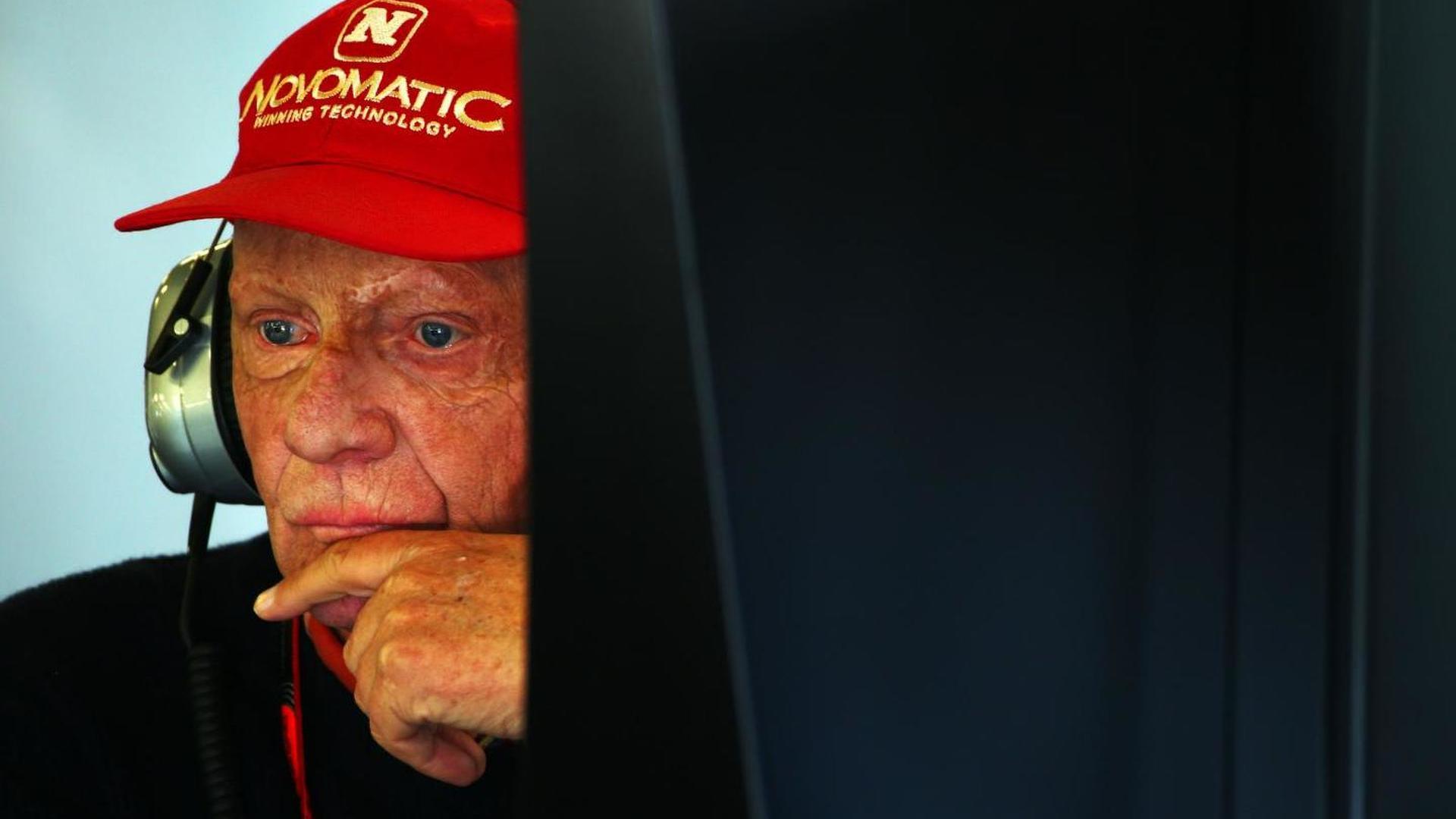 Lauda tips Mercedes to keep 'small' advantage