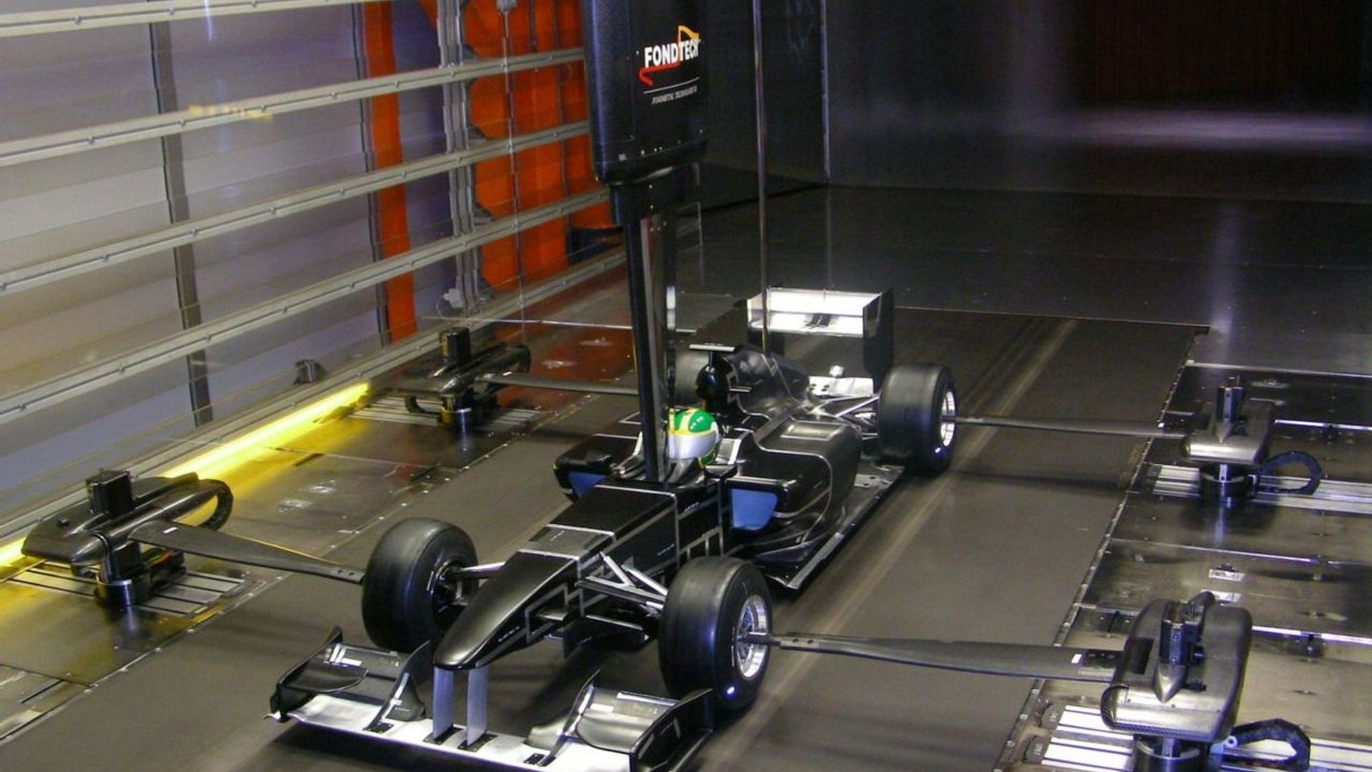 Lotus to launch 2010 car on February 12