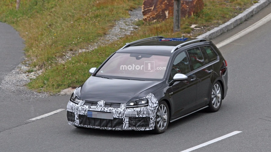 2017 VW Golf R facelift spy photos
