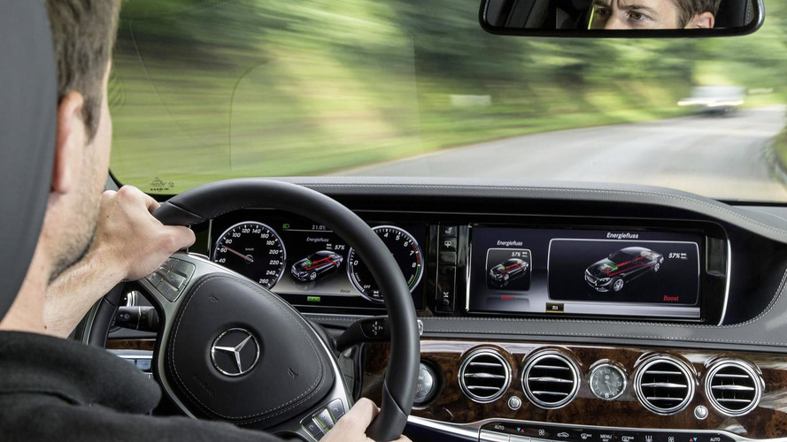 Mercedes highlights F1 tech in the S500 Plug-in Hybrid [video]