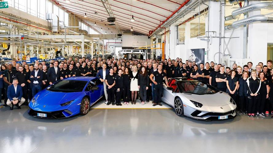 Lamborghini produces 7,000th Aventador and 9,000th Huracan