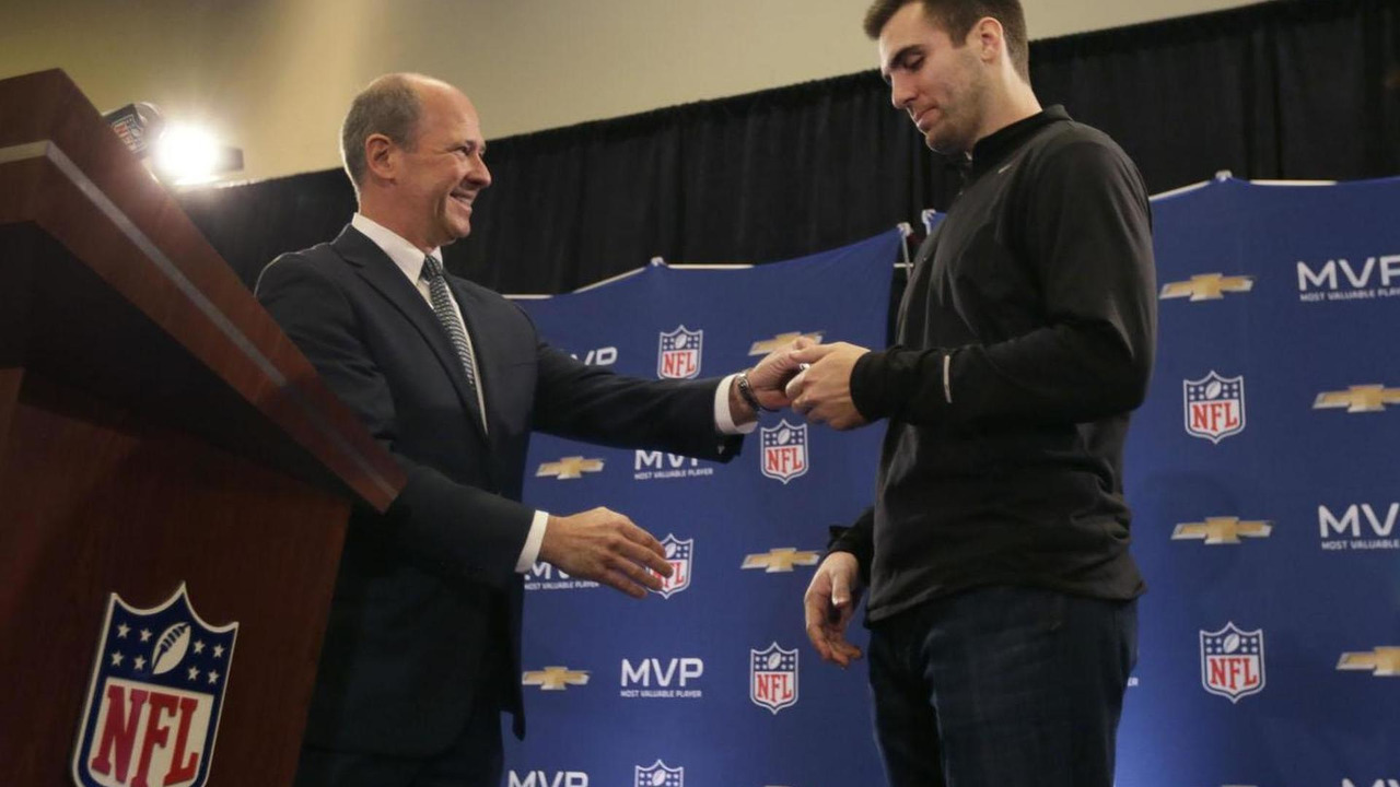 Baltimore Ravens Quarterback Joe Flacco receiving the keys to the 2014 Chevrolet Corvette - 04.2.2013