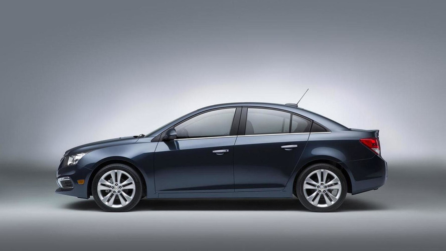 2015 Chevrolet Cruze facelift unveiled, will go on sale this fall [videos]