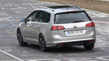 Volkswagen Golf R Variant spy photo