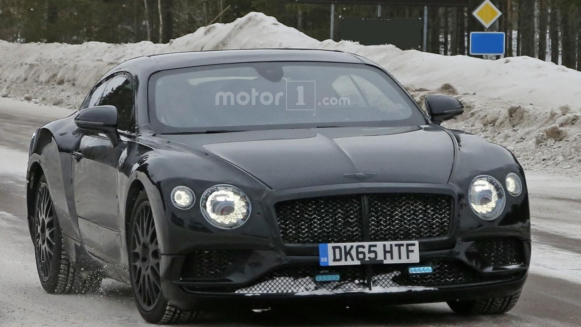 2018 bentley continental gt spied looking lean and mean. Black Bedroom Furniture Sets. Home Design Ideas