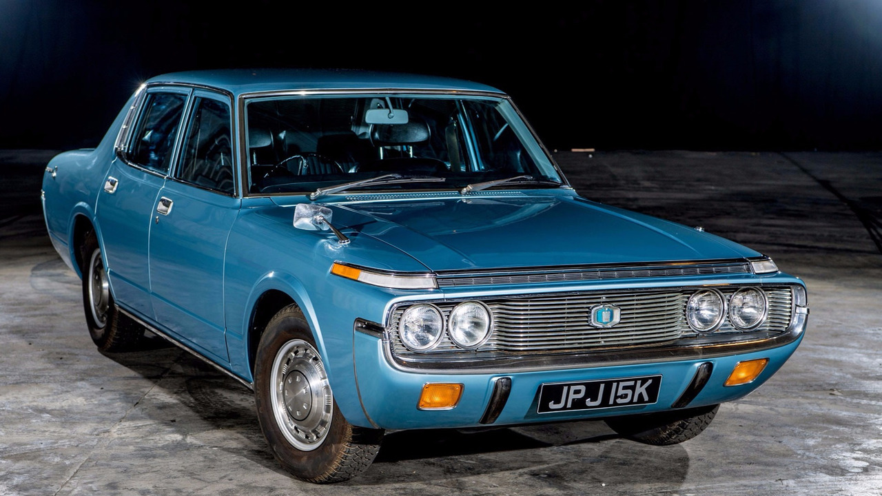 1972-toyota-crown-quarterfront